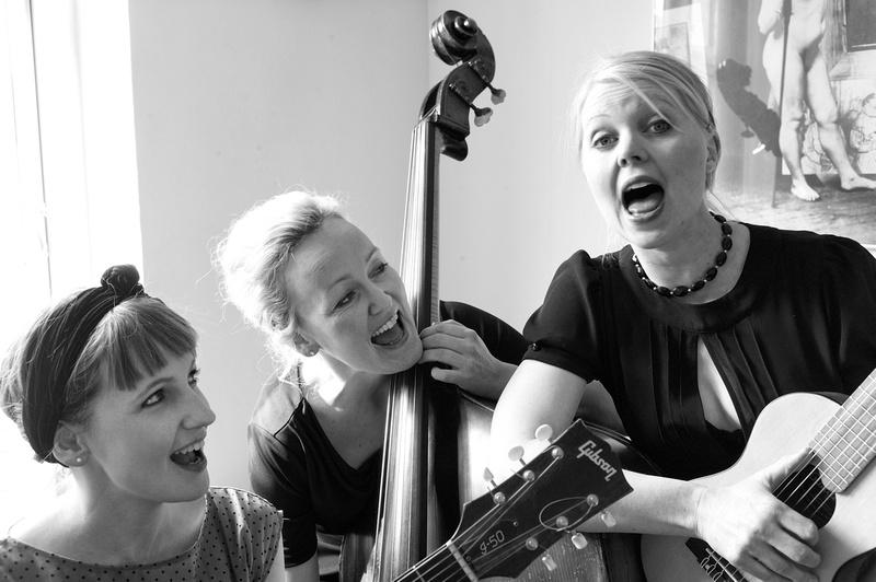Martine Madsen, Eva Skipper & Sara Grabow